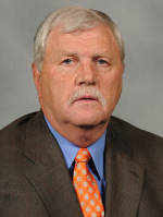 Clemson Hires Dan Brooks as Defensive Line Coach