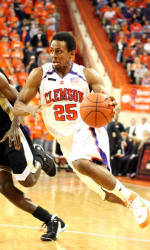Cliff Hammonds Named All-District by USBWA