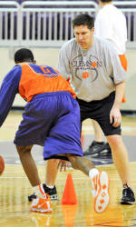 Brad Brownell Announces Summer Basketball Camp Offerings