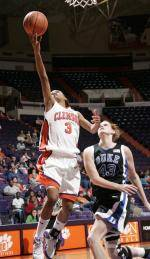 Giveaways Planned for Sunday's Women's Basketball Game