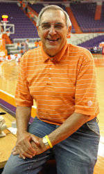 ClemsonTigers.com Exclusive: Tigers Do It for Gary