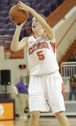 Kelly Gramlich Named ACC Women's Basketball Rookie of the Week