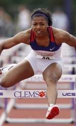 Women's Shuttle Hurdle Relay Places Third at Penn Relays
