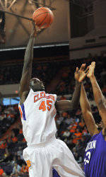 Tigers Rout College of Charleston, 94-55