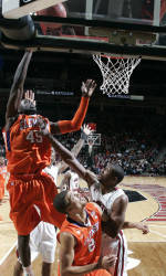 Clemson Defeats UNC-Greensboro, 71-61