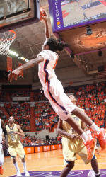 Clemson Structural Engineering Students Score a Slam Dunk