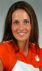 Volleyball Posts 3-1 Road Victory Over UNC