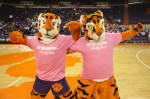 Women's Basketball To Play Host To #11/12 Florida State In Pink Zone Game