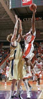 Basketball Team Travels To Atlanta for Showdown with Georgia Tech