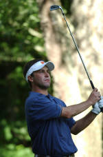 Delahoussaye Leads Canadian Open with Record Setting 62