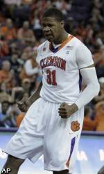 Men's Basketball Takes Down Western Carolina, 87-64