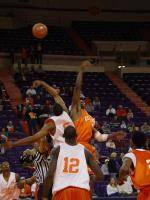 Basketball to Hold Orange-White Scrimmage