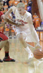 Clemson Travels to Iowa for Big Ten/ACC Challenge Tuesday
