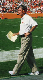 Tommy Bowden Thanks Collegiate Club Members