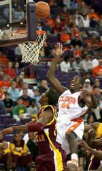 Men's Basketball Opens Season with 84-55 Win over Bethune-Cookman