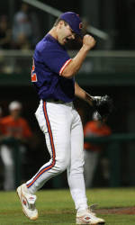 #18 Clemson Outlasts #24 Florida State 8-7 in 11 Innings Saturday