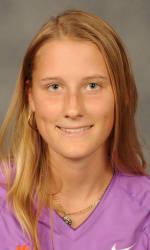 Vickery Hall Women's Student-Athlete of the Week – Nelly Ciolkowski