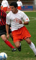 Quintanar Signs Professional Contract