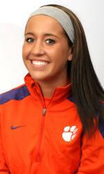 Vickery Hall Women's Student-Athlete of the Week – Vanessa Laxgang