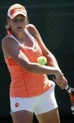 Ciolkowski into Singles Quarterfinals at ITA Carolina Regional