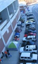 Clemson Students Camp Out for Bowl Tickets