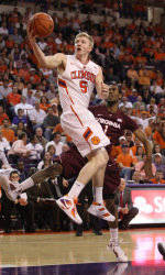ClemsonTigers.com Exclusive: Brownell Shares a Special Moment with Seniors
