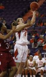 Oakland Downs Clemson, 63-51, on Friday