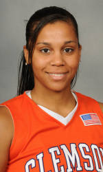 Vickery Hall Women's Student-Athlete of the Week – Sthefany Thomas