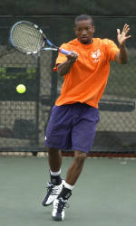 Clemson defeats Maryland 7-0 in men's tennis