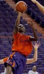 White Tops Orange in Annual Basketball Scrimmage
