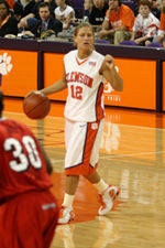 Women's Basketball To Hold Orange and White Scrimmage
