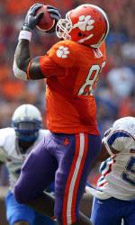 Dwayne Allen Be-friends a Super Bowl Champion
