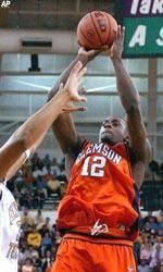 Men's Basketball Falls To Georgia Tech In Regular Season Finale, 66-56