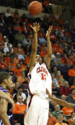 Clemson Men's Basketball Team to Play Host to South Carolina Saturday Afternoon