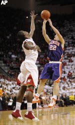 Oglesby's Three-Pointer Gives Clemson a Dramatic 73-70 Win at Maryland Sunday