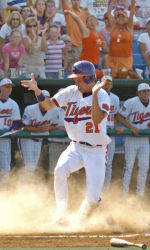 Titans Rally To Beat Tigers, 7-6