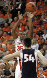 Tigers Fall Short Against Illinois 76-74