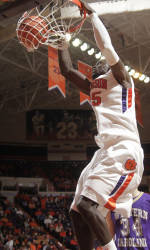 Clemson Tops Wofford, 78-70