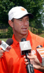 Swinney Hopes Knowledge Will Pay Off in 2011
