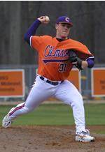 Clemson Tallies 17 Hits in 10-1 Win Over Western Carolina Tuesday