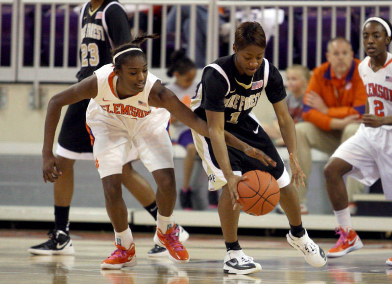 Lady Tigers Fall to Anderson in Exhibition