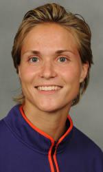 Vickery Hall Women's Student-Athlete of the Week – Liane Weber