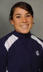 Vickery Hall Women's Student-Athlete of the Week – Melissa Weaver