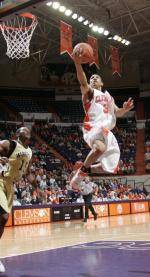 Basketball Takes to the Road Against Virginia on Saturday