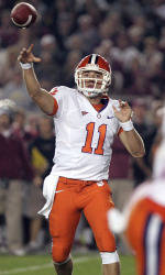 Seminoles Edge Out Tigers, 16-13, With Late Field Goal