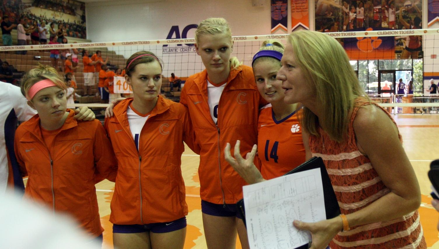 Exclusive: Hoover gets career win 400 at Clemson