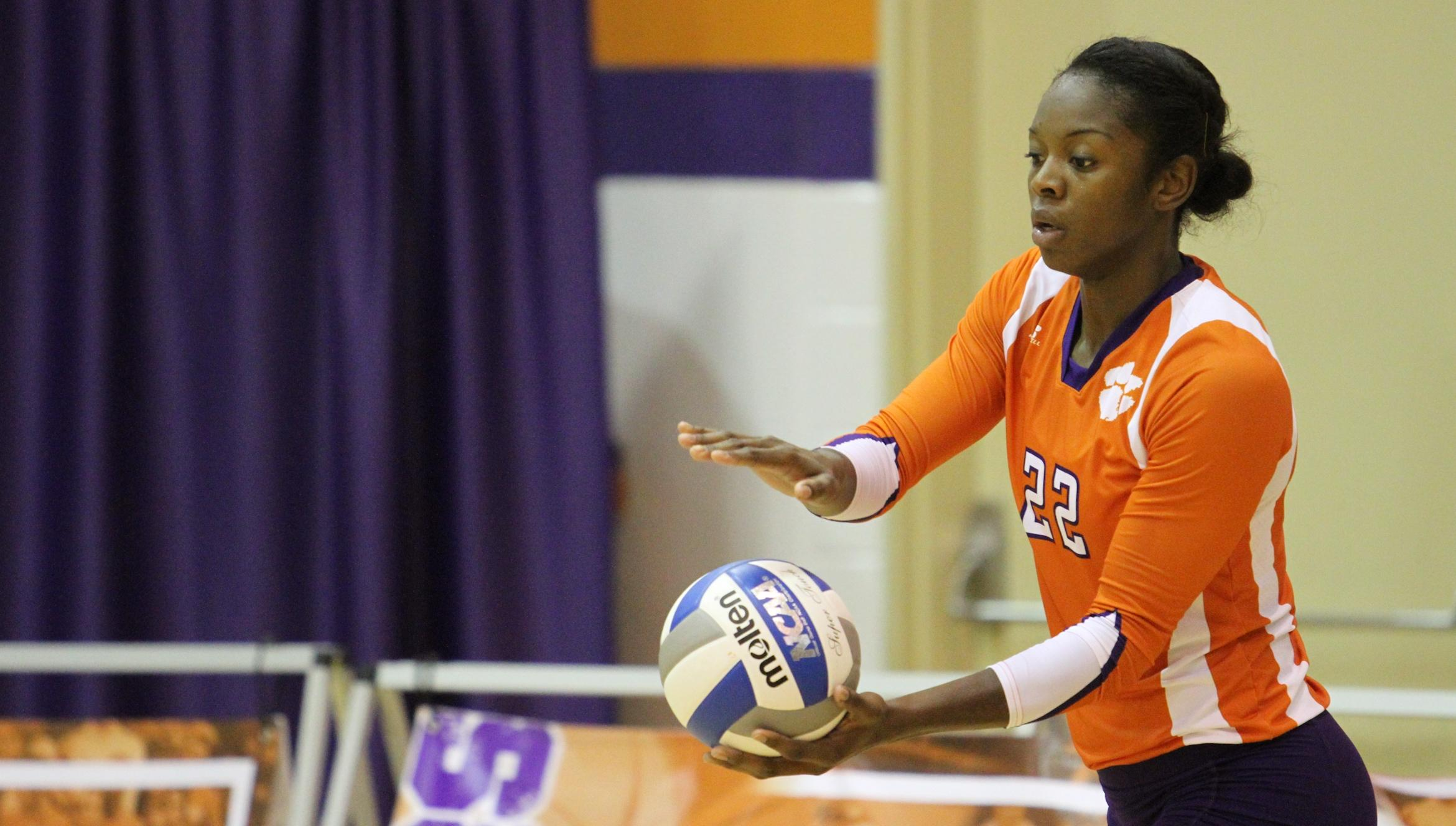 Clemson Downs Winthrop on Saturday Afternoon