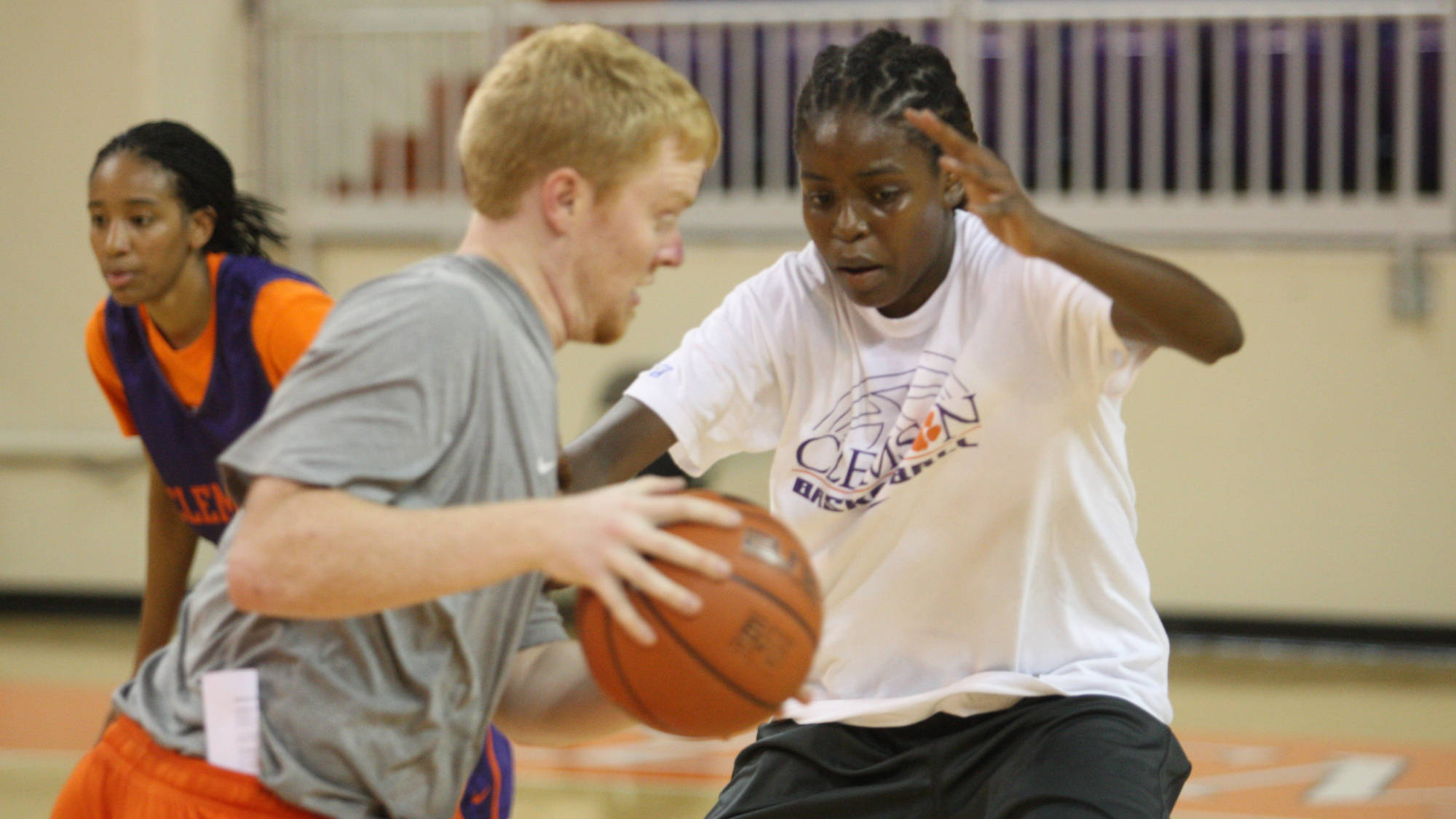 Women's Basketball Looking for Male Practice Players