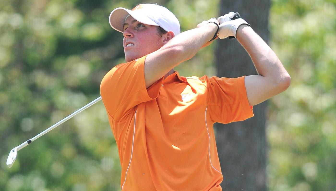 Clemson Improves to Tie for Third at Carpet Classic