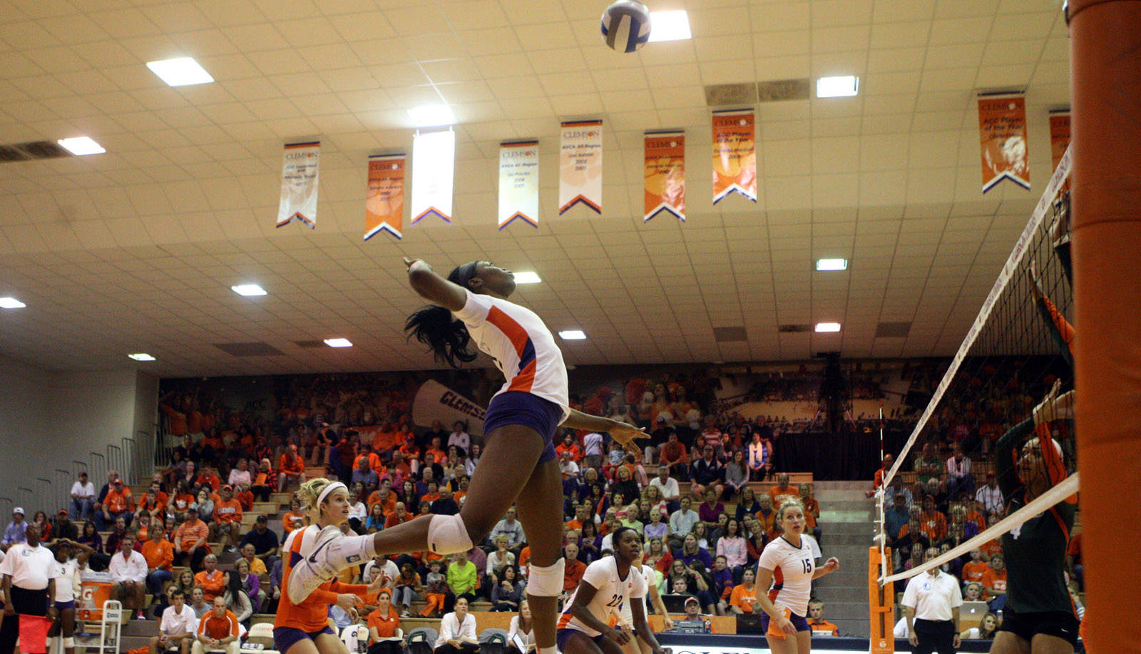 Volleyball travels to Boston College, Maryland